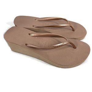Havainans Rose Gold Wedge Flip Flops Size 9 NWOT